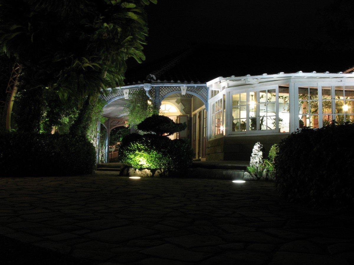 Rinnova il tuo giardino o il tuo terrazzo con le luci da esterno ...