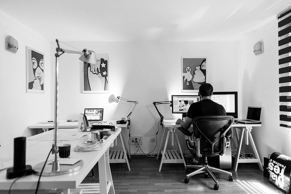 luce scrivania